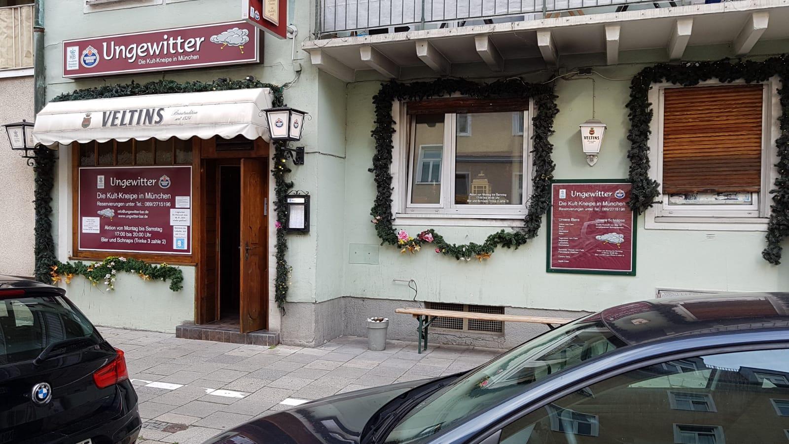 Die Ungewitter Bar in der Arcisstrasse München, eine Top Boazn - Kneipe mit langer Tradition